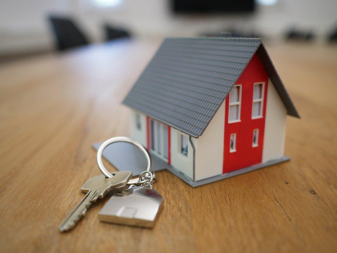 Покупка жилья за материнский капитал: обязательства, сложности, риски